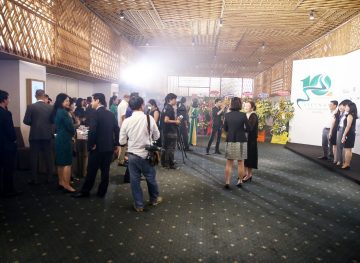 https://www.aravietnam.vn/wp-content/uploads/2017/08/VIET-NAM.-Annual-Report-Awards.25-7-2017-115-3.jpg