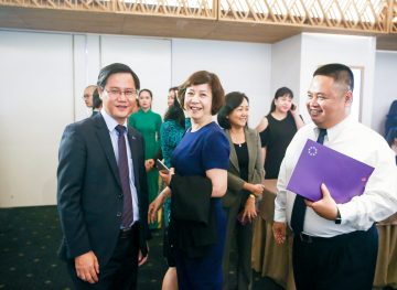 https://www.aravietnam.vn/wp-content/uploads/2017/08/VIET-NAM.-Annual-Report-Awards.25-7-2017-116-3.jpg