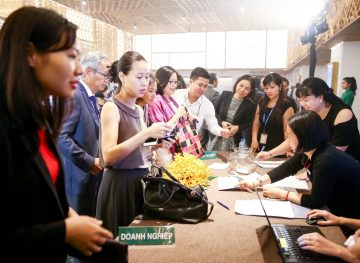 https://www.aravietnam.vn/wp-content/uploads/2017/08/VIET-NAM.-Annual-Report-Awards.25-7-2017-119-3.jpg