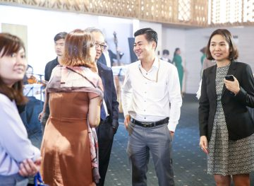 https://www.aravietnam.vn/wp-content/uploads/2017/08/VIET-NAM.-Annual-Report-Awards.25-7-2017-123-3.jpg