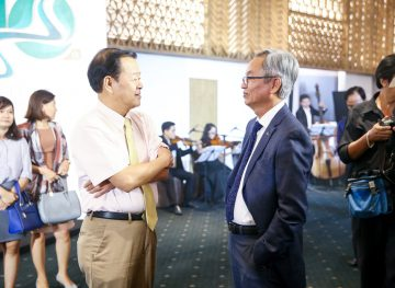 https://www.aravietnam.vn/wp-content/uploads/2017/08/VIET-NAM.-Annual-Report-Awards.25-7-2017-125-3.jpg