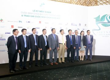 https://www.aravietnam.vn/wp-content/uploads/2017/08/VIET-NAM.-Annual-Report-Awards.25-7-2017-128-3.jpg