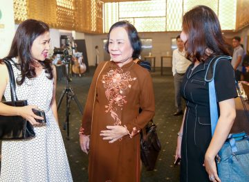 https://www.aravietnam.vn/wp-content/uploads/2017/08/VIET-NAM.-Annual-Report-Awards.25-7-2017-144-3.jpg