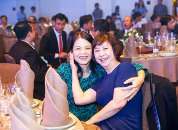 https://www.aravietnam.vn/wp-content/uploads/2017/08/VIET-NAM.-Annual-Report-Awards.25-7-2017-175-3.jpg