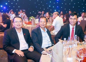 https://www.aravietnam.vn/wp-content/uploads/2017/08/VIET-NAM.-Annual-Report-Awards.25-7-2017-177-2.jpg