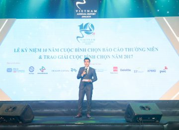 https://www.aravietnam.vn/wp-content/uploads/2017/08/VIET-NAM.-Annual-Report-Awards.25-7-2017-238-3.jpg