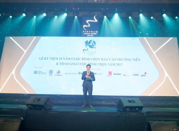 https://www.aravietnam.vn/wp-content/uploads/2017/08/VIET-NAM.-Annual-Report-Awards.25-7-2017-240-3.jpg