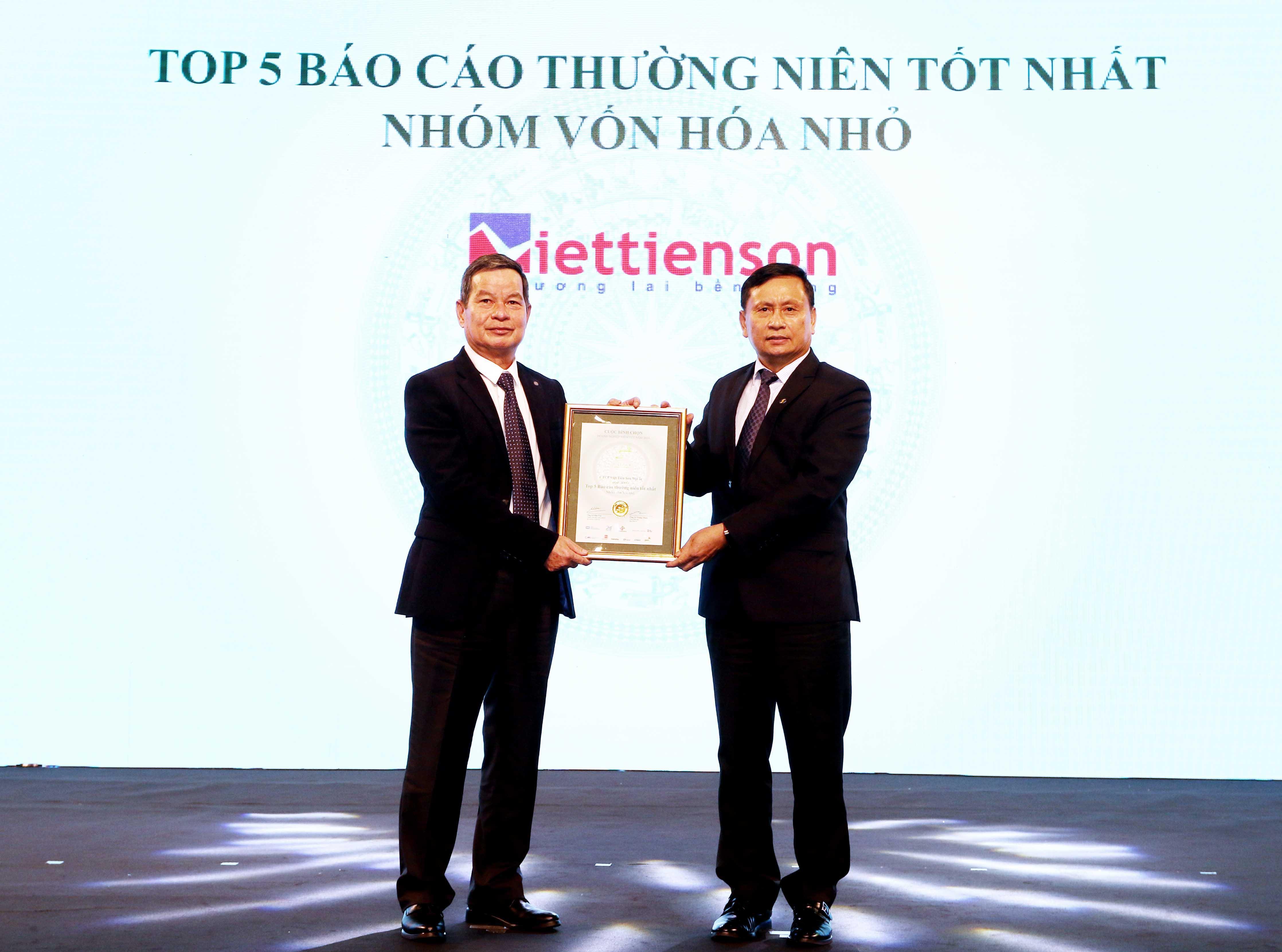 https://www.aravietnam.vn/wp-content/uploads/2020/12/12_Dại-diện-CTCP-Việt-Tiên-Sơn-Dịa-Ốc-TOP-5-DNNY-vốn-hóa-nhỏ-có-BCTN-tốt-nhất.jpg