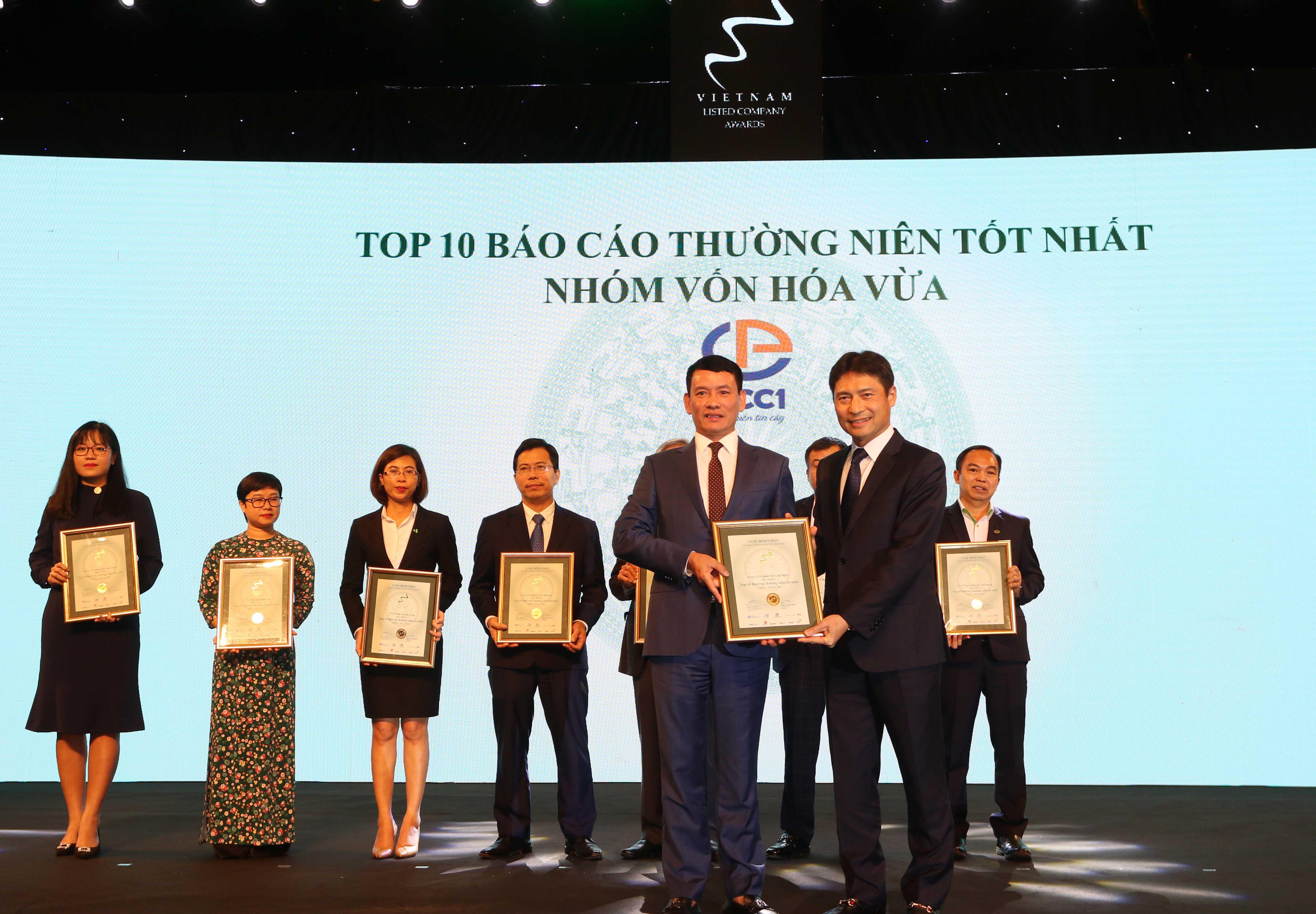 https://www.aravietnam.vn/wp-content/uploads/2020/12/17_Dại-diện-CC1-nhận-TOP-10-nhóm-vốn-hóa-vừa-có-BCTN-tốt-nhất..jpg