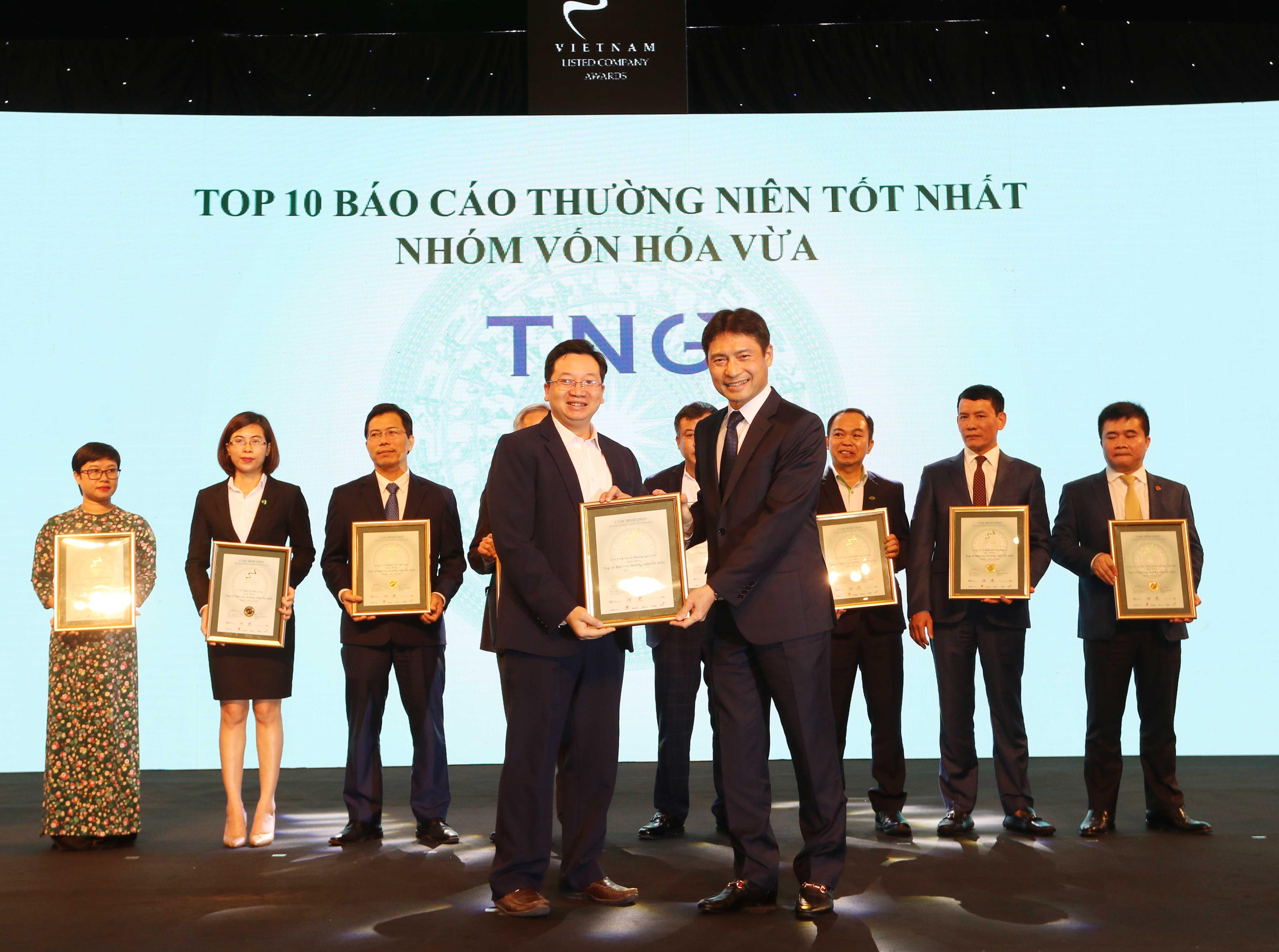 https://www.aravietnam.vn/wp-content/uploads/2020/12/25_Dai-diện-TNG-TOP-10-NNNY-nhóm-vốn-hóa-vừa-có-BCTN-tốt-nhất.jpg