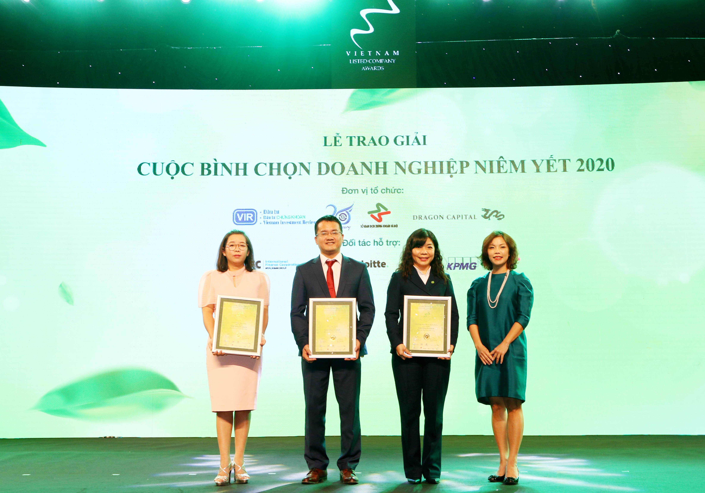 https://www.aravietnam.vn/wp-content/uploads/2020/12/58_Bà-Nguyễn-Thụy-Minh-Châu-Giám-dốc-Khu-vực-Mekong-Hiệp-hội-Kế-toán-công-chứng-Anh-trao-03-Giải-khuyến-khích-giải-Phát-triển-Bền-Vững.jpg
