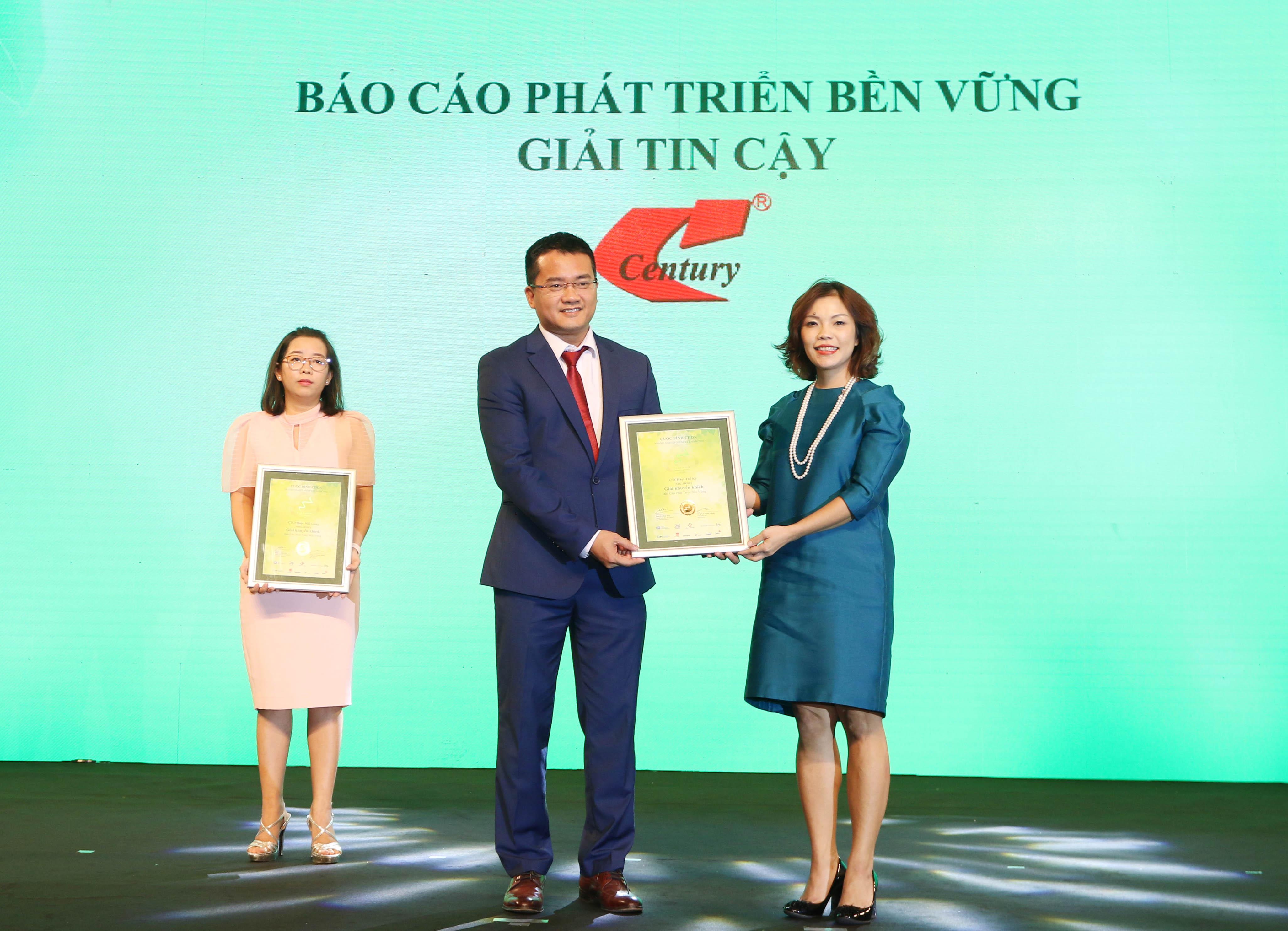 https://www.aravietnam.vn/wp-content/uploads/2020/12/60_Dại-diện-Sợi-Thế-Kỷ-nhận-giải-khuyến-khích-.jpg
