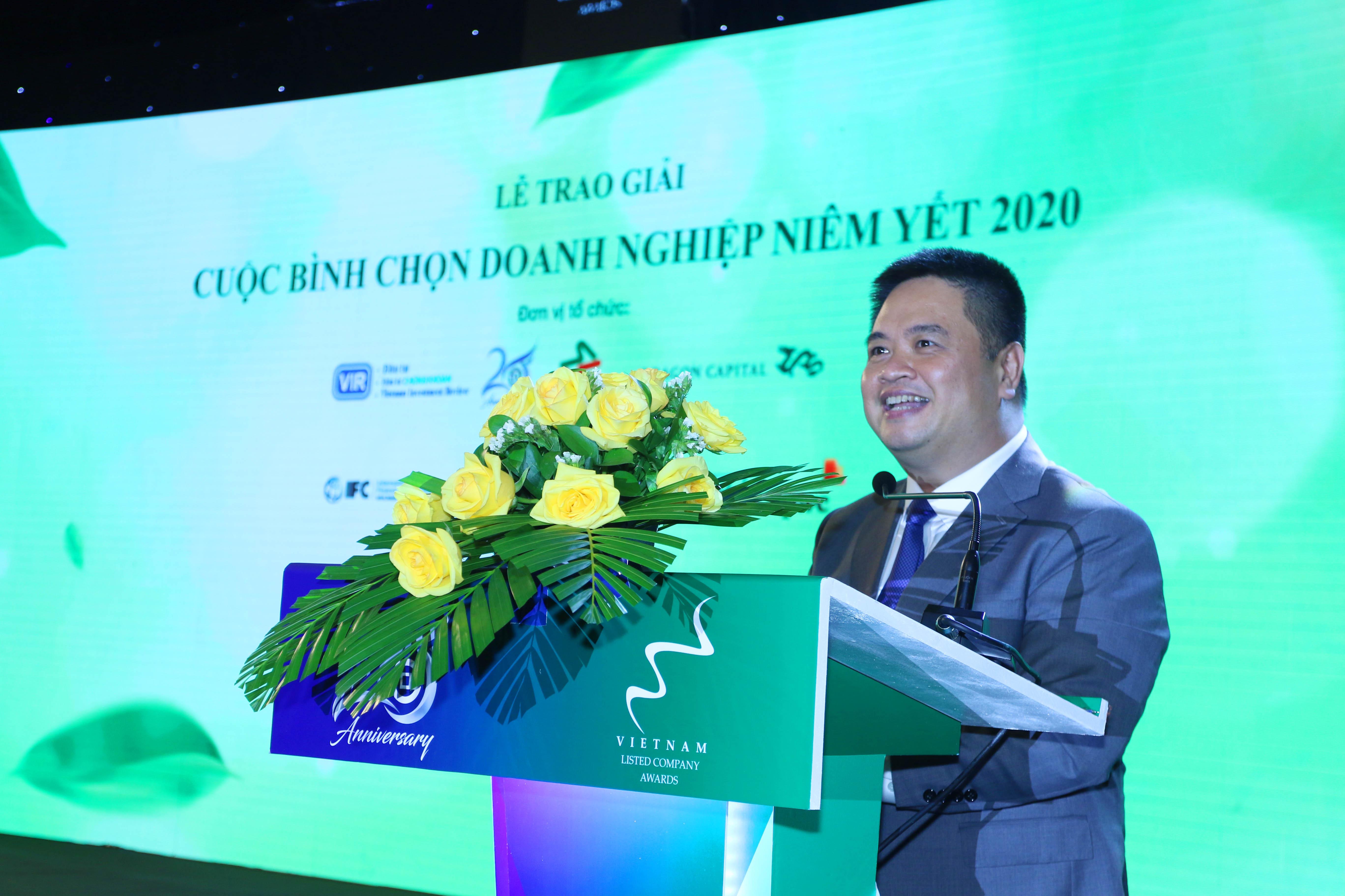 https://www.aravietnam.vn/wp-content/uploads/2020/12/66_Ông-Nguyễn-Vũ-Quang-Trung_-Phó-TGD-phụ-trách-Ban-diều-hành-Sở-Giao-dịch-Chứng-khoán-TPHCM-phát-biểu-cám-ơn-.jpg